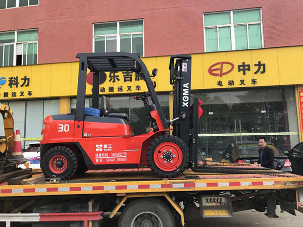 Hydraulic Transmission Diesel Operated Forklift 3000kg Rated Capacity